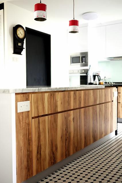 kitchen woodgrain